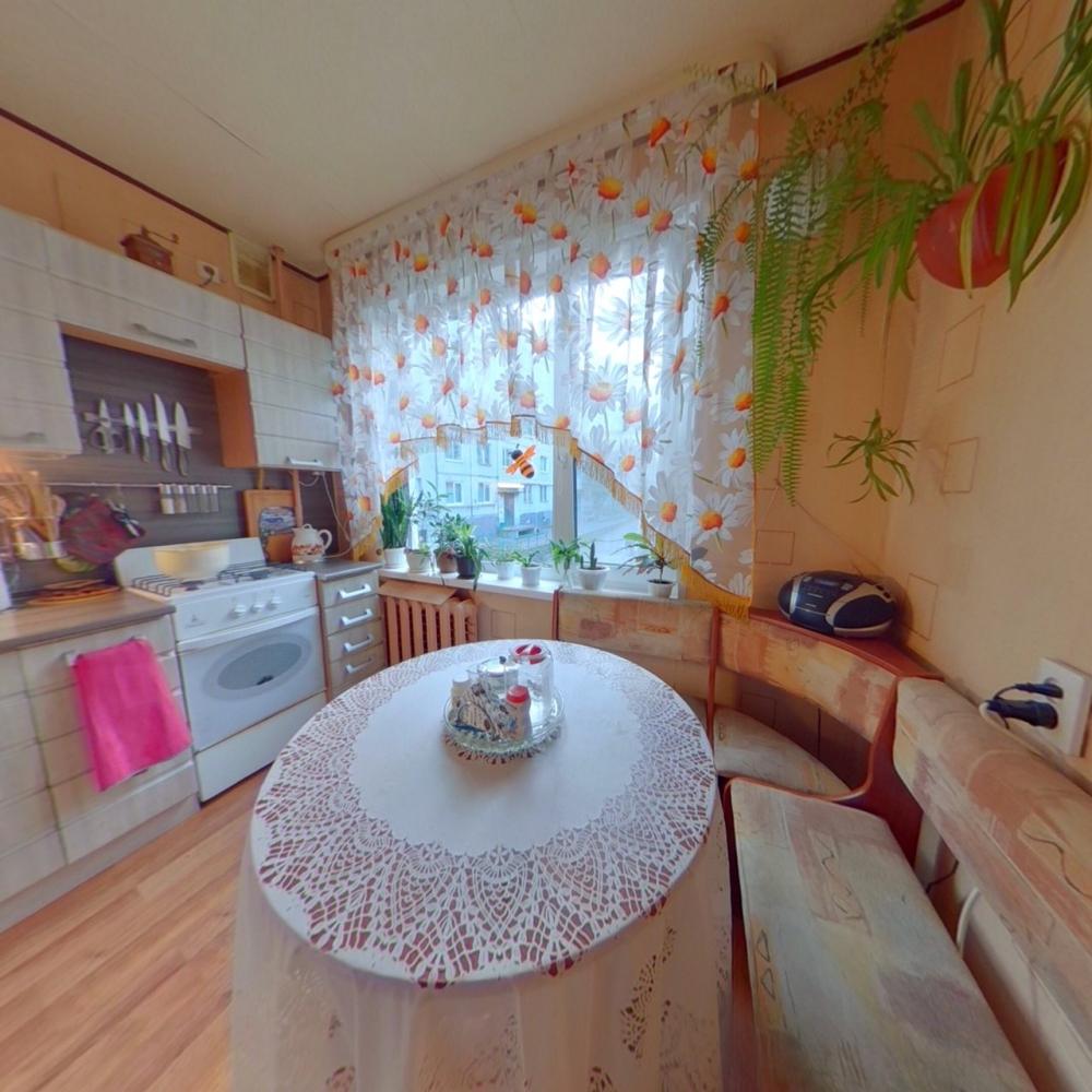 Мурманск, полярные зори, 31/2 оценка собственности.